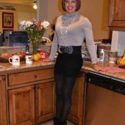I feel so sexy in a black mini skirt!